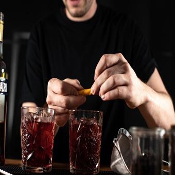 Barkeeper Schulung München Orangenzeste-Negroni